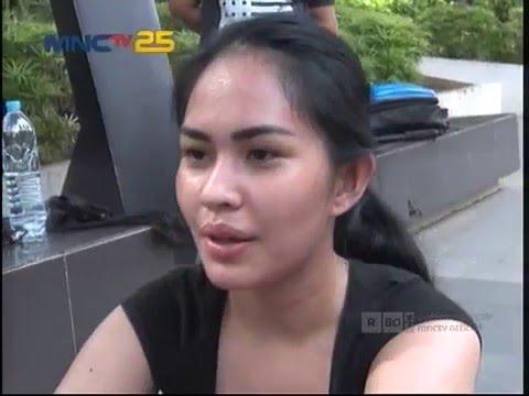 Kartika Putri Semangat Berlatih Muay Thai - Pose (5/1)