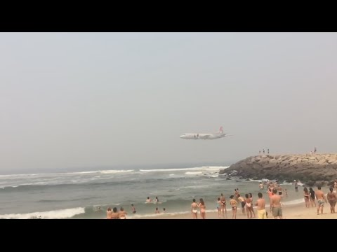 Air Force in an amazing flyby on a beach