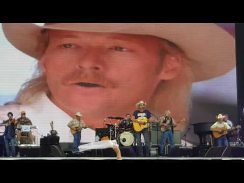Alan Jackson Performing In Nashville Tennessee June 3rd Free Concert