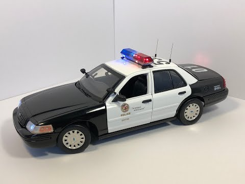 1/18 1998 LAPD Ford Crown Victoria With Working Lights (CUSTOM ORDER)