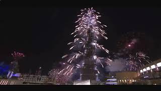 Дубай.Фейерверк и танцующий фонтан.(Дубай.Фейерверк и танцующий фонтан. Дубаи — это известный центр торговли на Востоке. «Танцующий» Фонтан..., 2015-05-25T16:16:01.000Z)