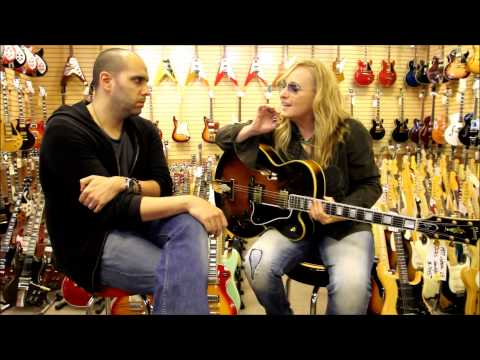 Melissa Etheridge stops by Norman's Rare Guitars