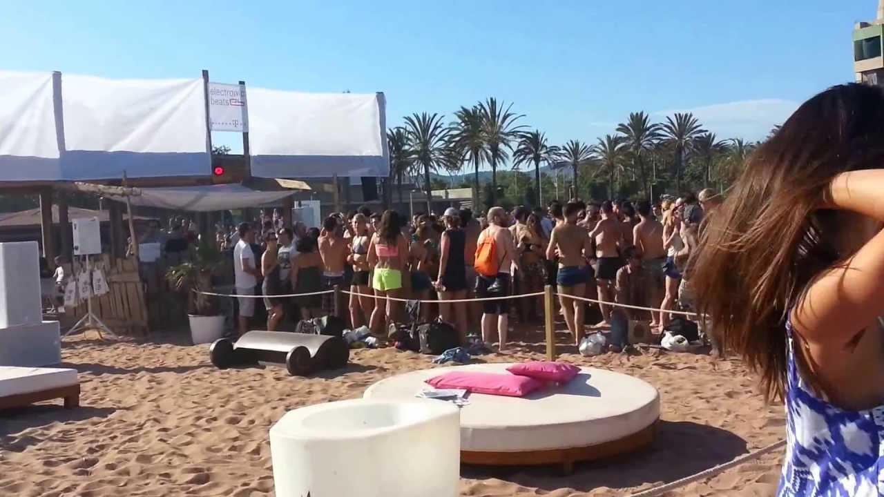 Terranova 20 years of kompakt mac arena mar beach club for Beach club barcelona