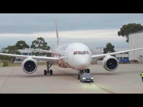 Tesla Model X P100D tows Qantas Dreamliner