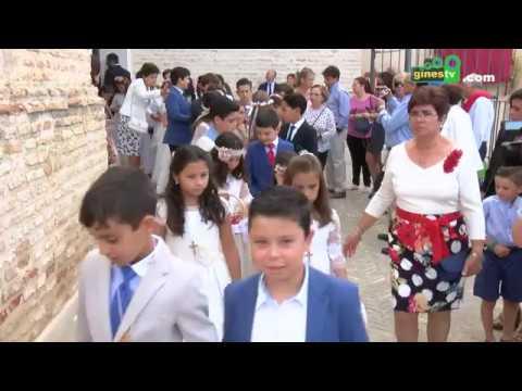 Gines se vistió de gala para la procesión del Corpus Christi, fiesta local en el municipio