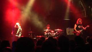 Anvil - Lips plays guitar with a vibrator - London 19 April 2016