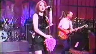 Garbage - Stupid Girl (Live on Letterman