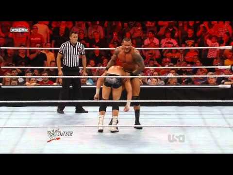 Randy Orton - Gutwrench elevated neckbreaker
