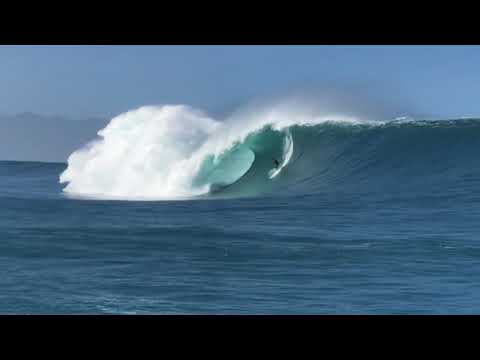 XXL Swell outer reef North Shore, Oahu - HAWAII