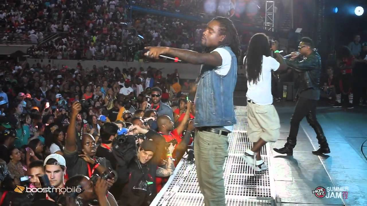 Wale road to summer jam performs lotus flower bomb with miguel wale road to summer jam performs lotus flower bomb with miguel izmirmasajfo Images