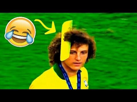 اكثر 10 لاعبين مضحكين في كرة القدم Prime 10 Humorous Boys In Soccer