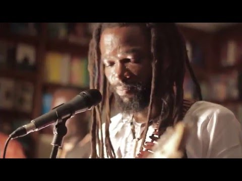 Beautiful Nubia - What A Feeling! (Live)
