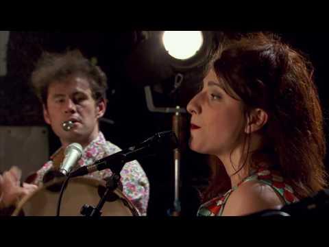 Radio Tutti feat. Barilla Sisters - «Pizzica di Torchiarollo»