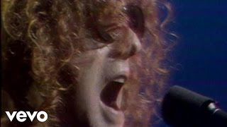 Music video by Mott The Hoople performing All The Young Dudes.