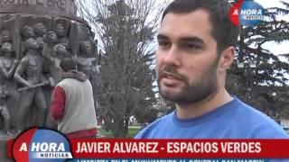 JAVIER ALVAREZ   LIMPIEZA EN EL MONUMENTO AL GENERAL SAN MARTIN