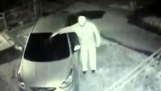 видео В Киеве одновременно подожгли пять автомобилей
