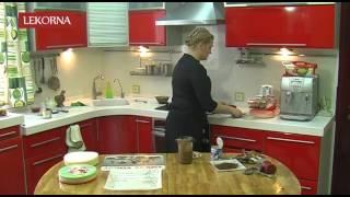 Вафельный торт со сгущенкой и орехами / Wafer cake with dessert cream and nuts