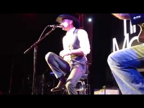 Tim McGraw Performs 'BBQ Stain' in Nashville