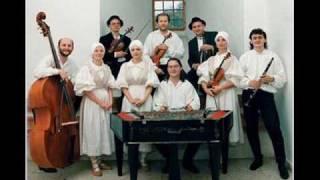 Traditional czech music and dances.wmv