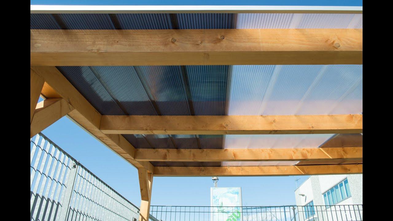 Come chiudere una veranda in legno con il policarbonato for Pannelli in legno lamellare prezzi