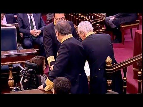 Virginia Felipe promete su cargo como senadora entre aplausos