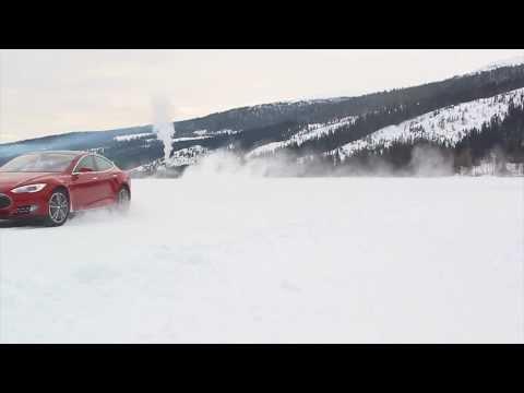 Tesla Model S Ice Drive - Swedish Test Track