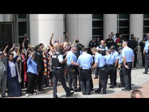 Civil Disobedience Protest @ STL Fed Bld 8-10-15 pt2(c) 2015 ARR to &video by Erica M. Brooks