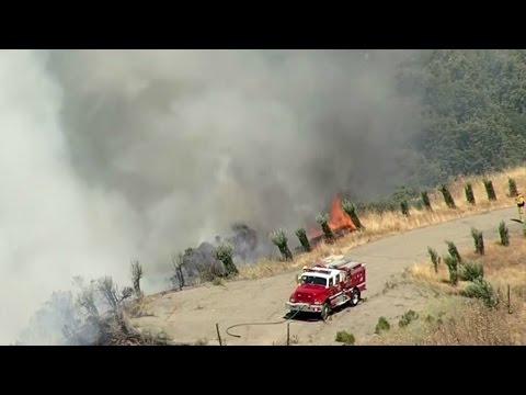 RAW: Fire Burns On Moraga Hillside Behind Campolindo High School