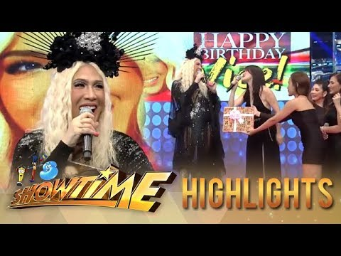 Vice Ganda receives a gift from It's Showtime family | It's Showtime