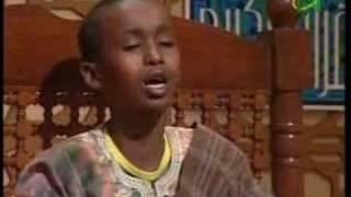الطفل الكيني الذي أبكى كل من القاعة....قراءة مؤثرة