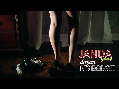 Download Rahasia Cinta Janda Bahenol Nerkom – Alur Cerita Film The Secret Sex Life Of a Single Mom (2014)