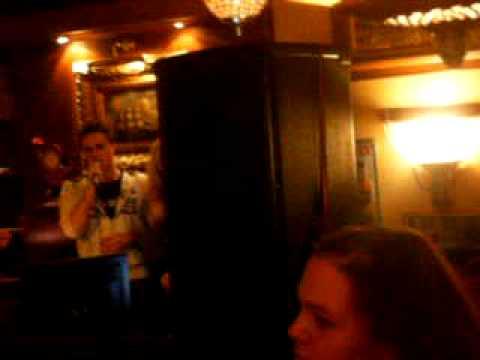Kim og Miriam Synger Karaoke 2