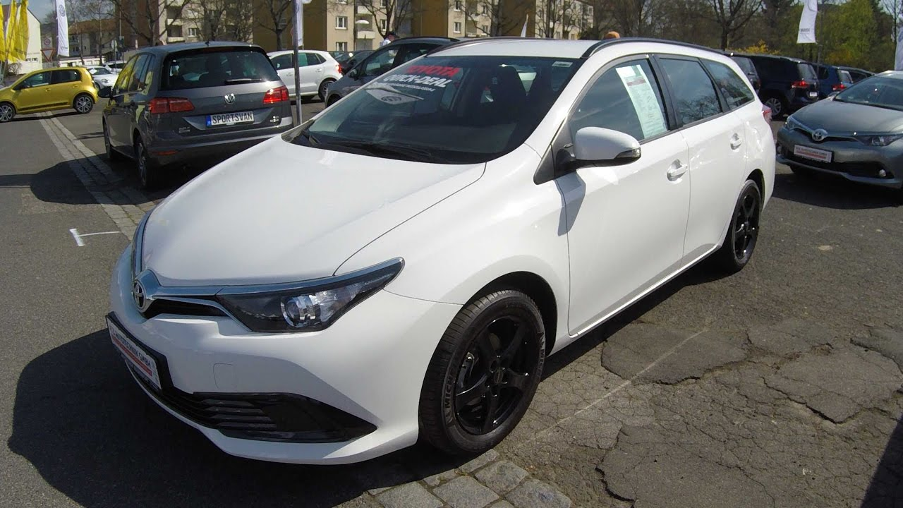 Toyota Auris Ts Touring Sports Combi Snow White Model 2017