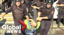 Police in Moscow arrest those protesting city council elections