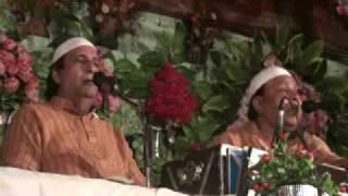 Download Kamli Wale Piya Tere Dar Ka Gada Hun Main - Akhter Sharif - part 1/2 Mp3