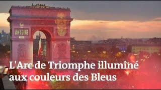Les images de l'Arc de Triomphe et de la tour Eiffel aux couleurs des Bleus thumbnail