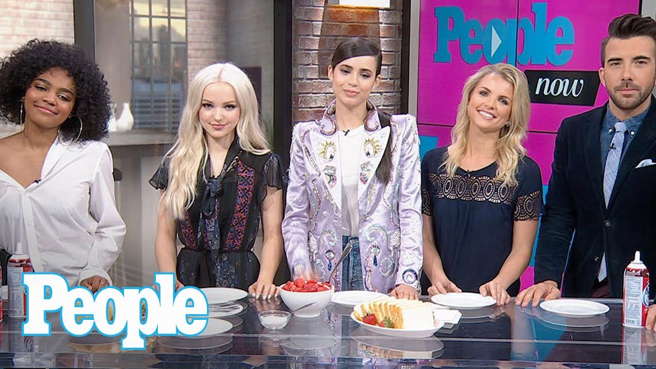 Sofia Carson Dove Cameron China Anne Mcclain Reveal Makeup Tips Much More People Now People New Photoshoot Ofi