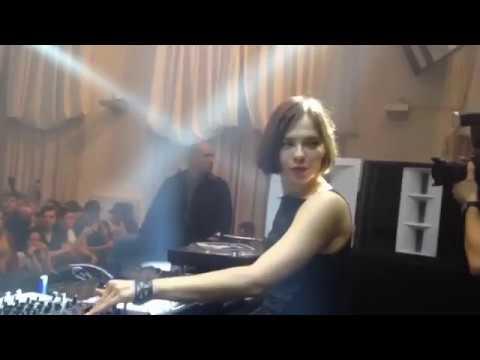 Nina Kraviz plays Energy 52 - � Del Mar'