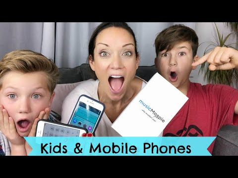 Why I've let my kids have mobile phones. #mumslovemagpie AD