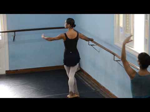 Misty Copeland en la sede del Ballet Nacional de Cuba #MistyinCuba