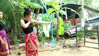 Unbelievable! Beautiful Girl Uses PVC Pipe Compound BowFishing for shooting a big fish in CAMBODIA
