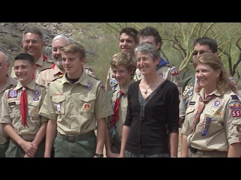 News Conference: Sally Jewell, U.S. Secretary of the Interior visits Phoenix Parks
