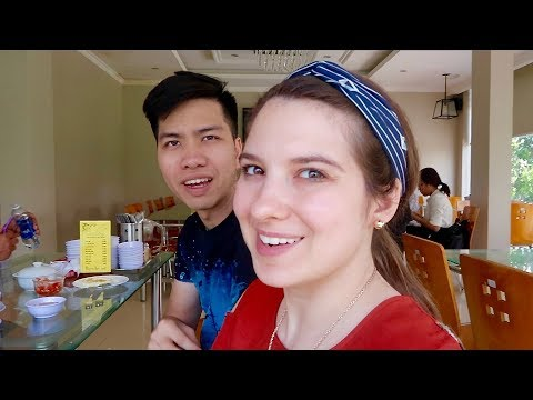 Last Minute Shopping for America! Vietnam Vlogs Day 12
