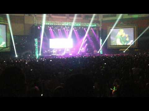 Konser Reuni Dewa 19 feat Ari Lasso - Bayang-Bayang