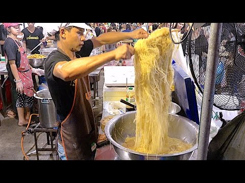 The Famous Bangkok Thailand Street Food Noodle – Huge Seafood and Dim sum Jompalang Noodle
