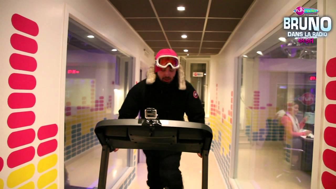 combien de km elliot peut il parcourir sur un tapis de course en tenue de ski bruno dans la. Black Bedroom Furniture Sets. Home Design Ideas