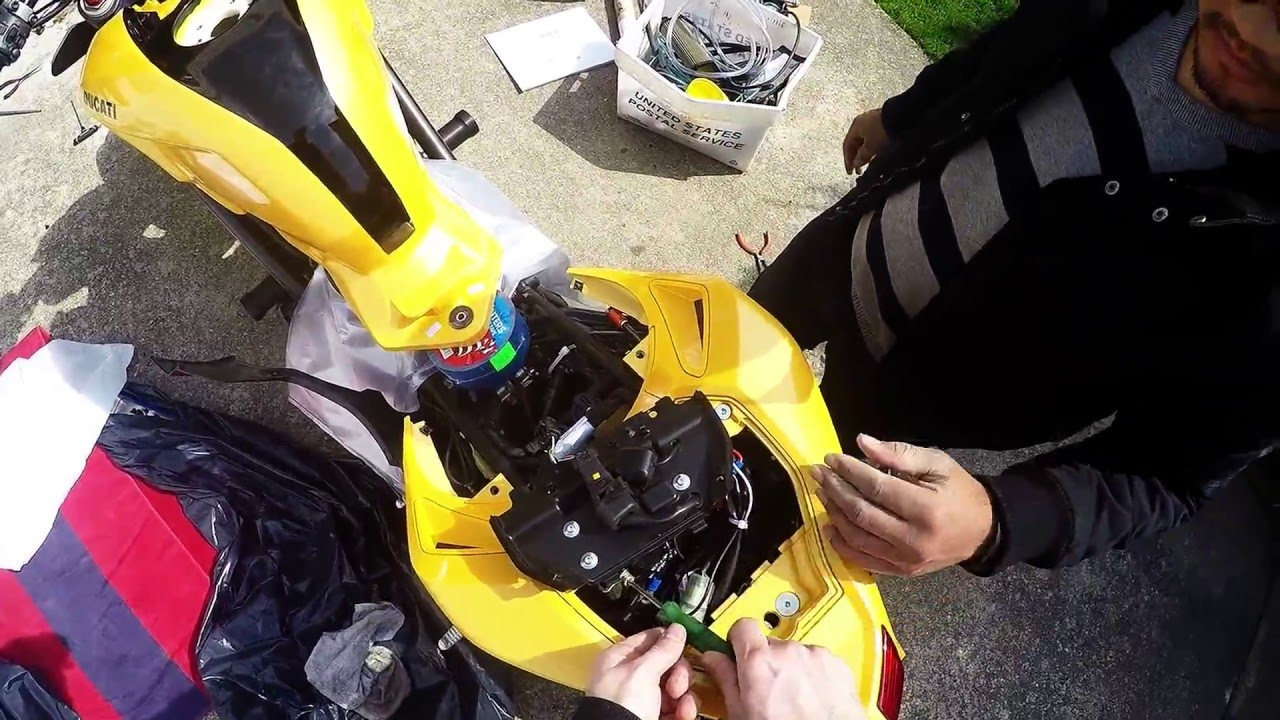 Ducati 848 Streetfighter Tank Removal And Fuel Pump Replacement 749 Wiring