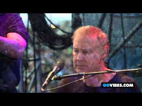 """Weir, Hornsby, and Marsalis Perform """"Standing on the Moon"""" at Gathering of the Vibes 2012"""