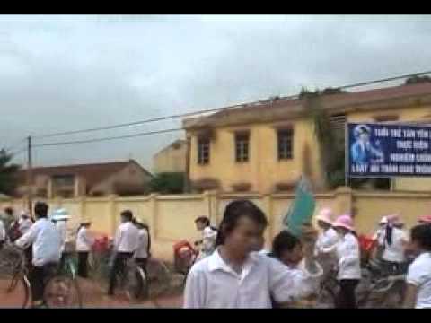 trường THPT Tân Yên 2 - Tap the lop 12A6. 2005-2008.flv