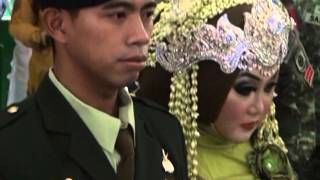 Upacara Tradisi Korps Sangkur Pora Tamtama Divif 1 Kostrad. Secata PK Gel II T.A 2010